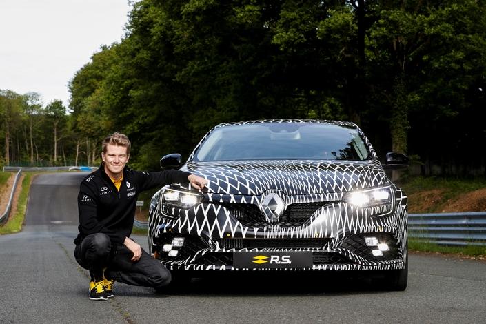 Renault dévoile la nouvelle Mégane RS qui sera vendue en boîte automatique et manuelle