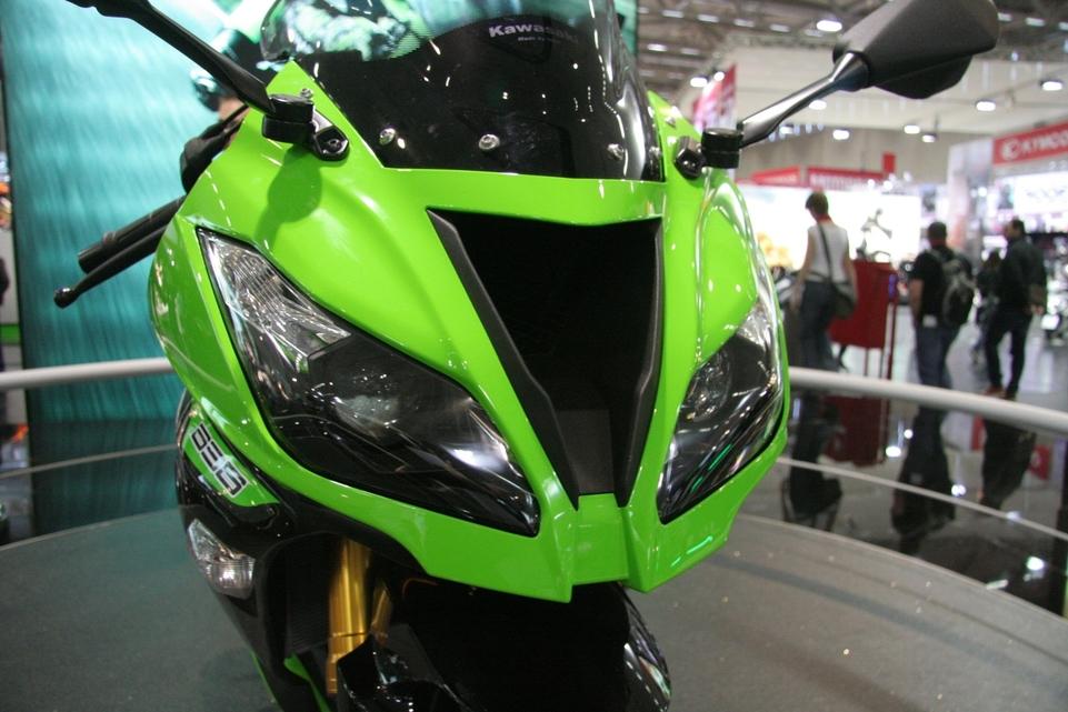 En direct de Cologne - La Kawasaki ZX6-R sous toutes les coutures annoncées à 13 195 euros
