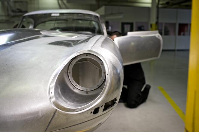 Jaguar fait renaître la Type E Lightweight!