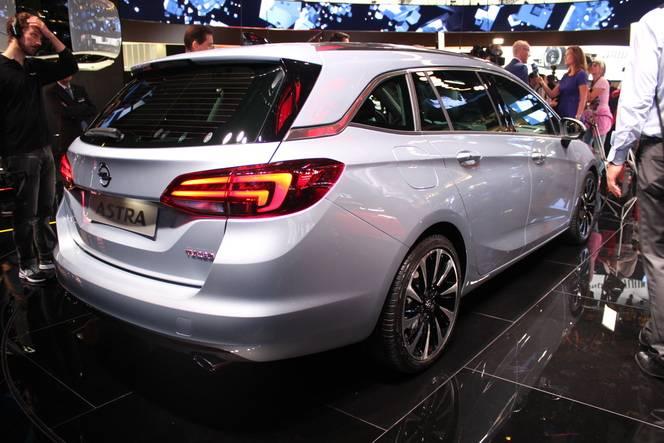 Opel Astra 5 Sports Tourer : taillé - Vidéo en direct du salon de Francfort 2015