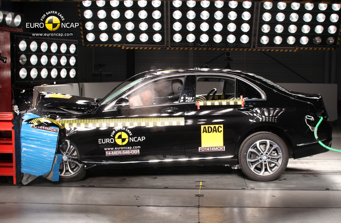 Derniers crashs EuroNCAP : Mercedes Classe C ou Hyundai i10, quelle est la meilleure ?