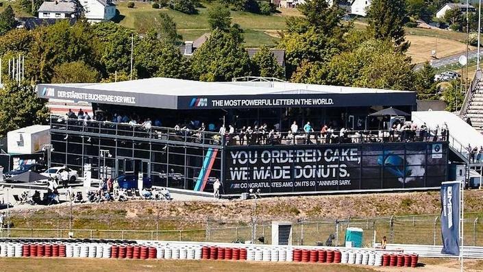 Insolite : BMW souhaite un joyeux anniversaire à AMG