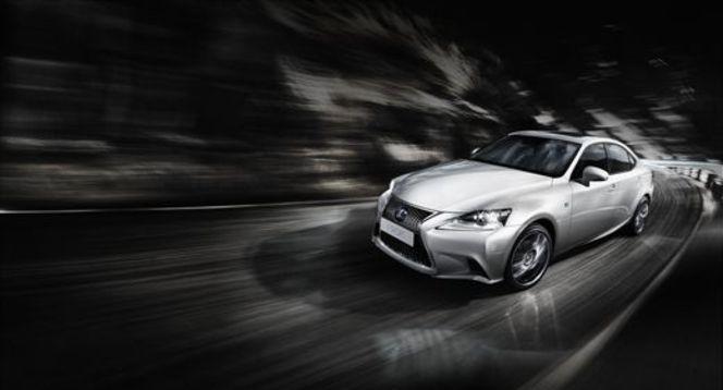 Toutes les nouveautés de Genève 2013 - Lexus IS300h Full hybrid : écolosportive !