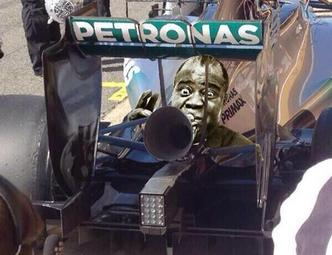Les F1 2014 testent un échappement-trompette