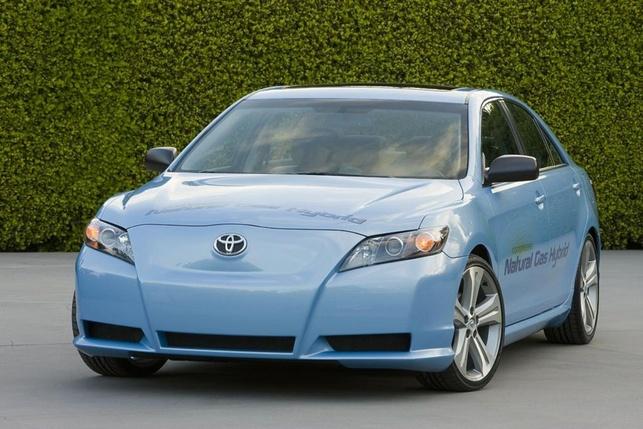 Salon de Los Angeles : une Toyota Camry hybride roulant au GNC