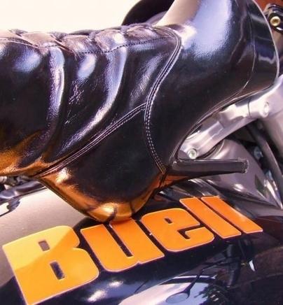Moto & Sexy : Hommage à Buell ... la marque américaine purement sexy