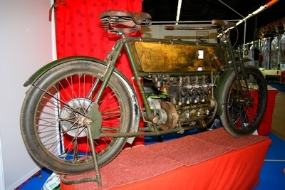 Antoine 1000 cm3 4 cylindres 1905