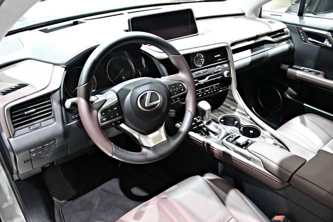 Lexus RX450h : predator hybride - Vidéo en direct du Salon de Francfort 2015