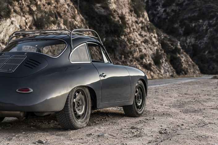 Une Porsche 356 avec des dessous de 964 et un quatre cylindres