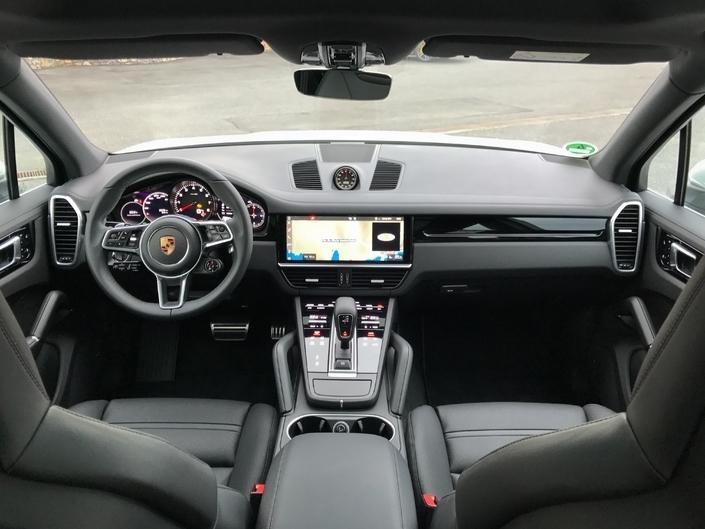 Le Porsche Cayenne arrive en concession : le sauveur de Porsche