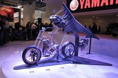 En direct de Cologne: Yamaha nous promet un trois cylindres Cross Plane !