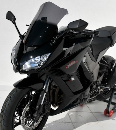 Ermax habille la Kawasaki Z1000 SX pour la rentrée