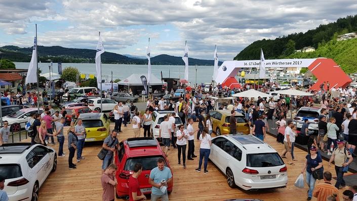Quelques 5000 véhicules convergent chaque année vers le lac Wörthersee.