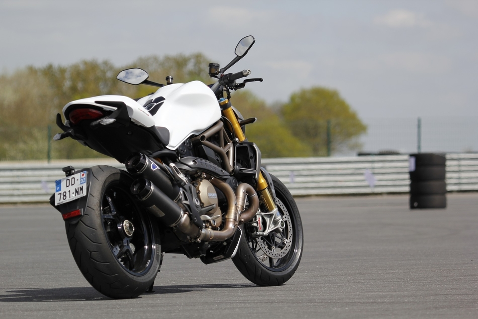 Essai Ducati Monster 1200 S : gros potentiel?