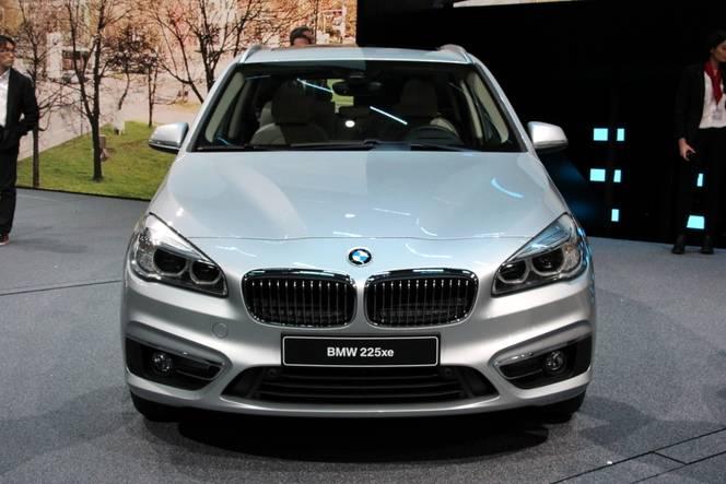 BMW 225xe: Très prisée - En direct du salon de Francfort 2015