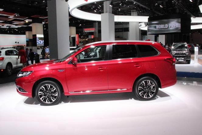 Mitsubishi Outlander restylé: câblé ! - En direct du salon de Francfort 2015