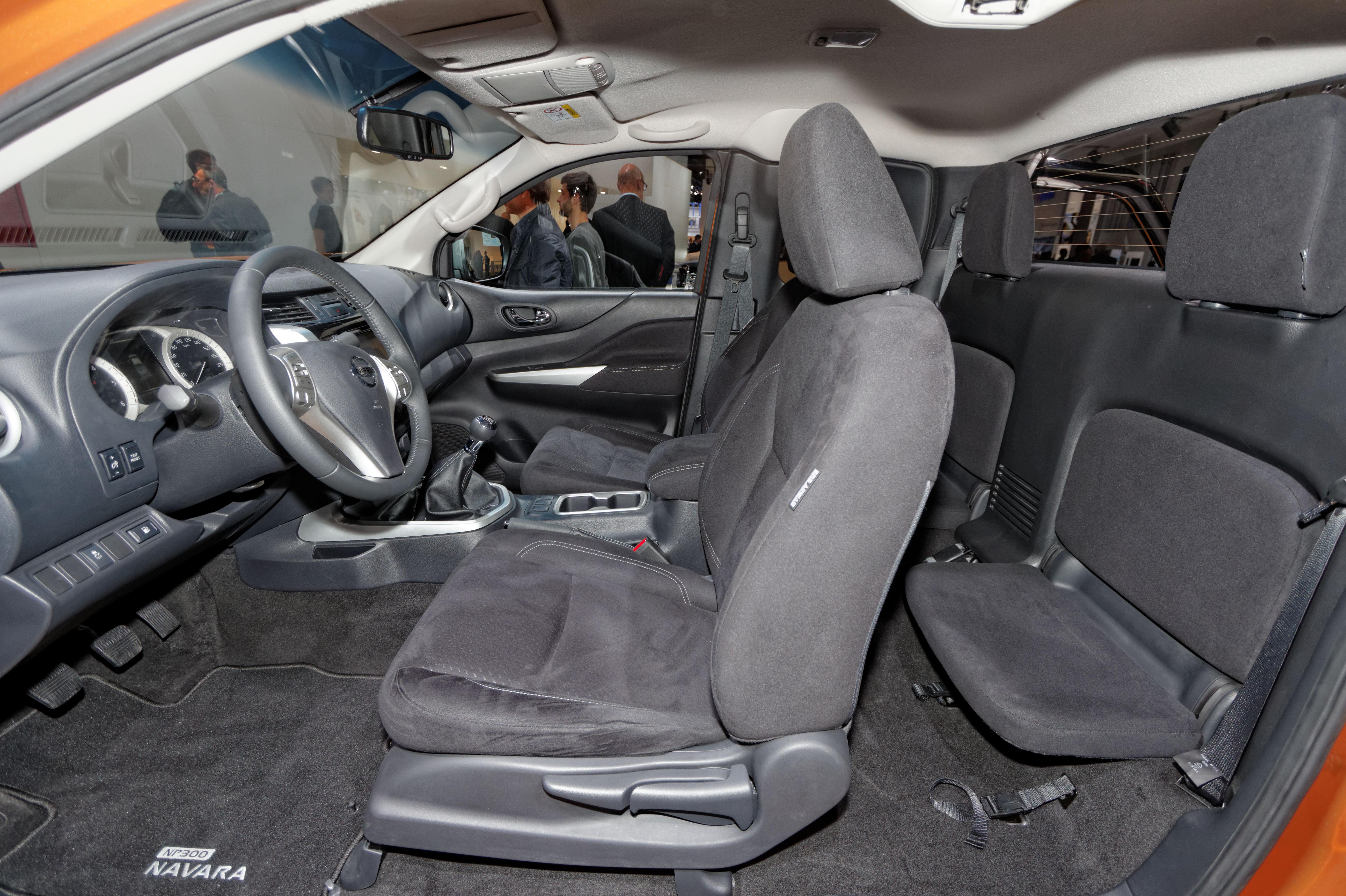 Nissan Navara Np300 Renouveau Vid 233 O En Direct Du Salon