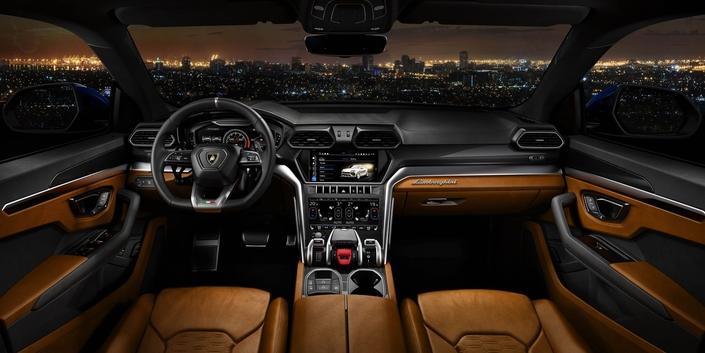 Lamborghini lance son SUV de luxe (Photos)