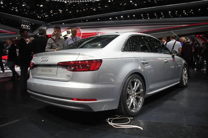 Audi A4 : bonheur intérieur - Vidéo en direct du salon de Francfort 2015