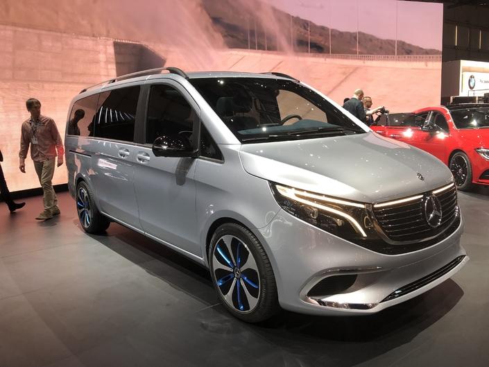 Mercedes EQV concept : 8 places et 0 émission - En direct du salon de genève 2019