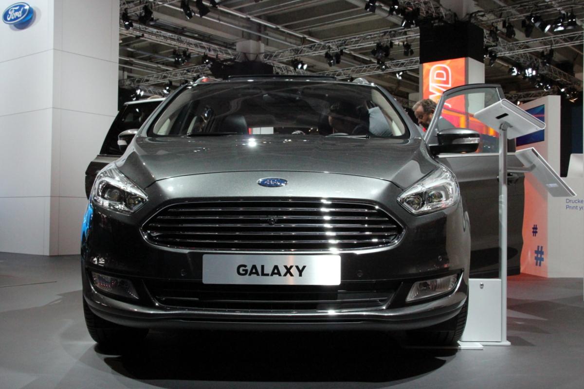 Ford galaxy gros porteur vid o en direct du salon de for Salon porte de champerret 2015