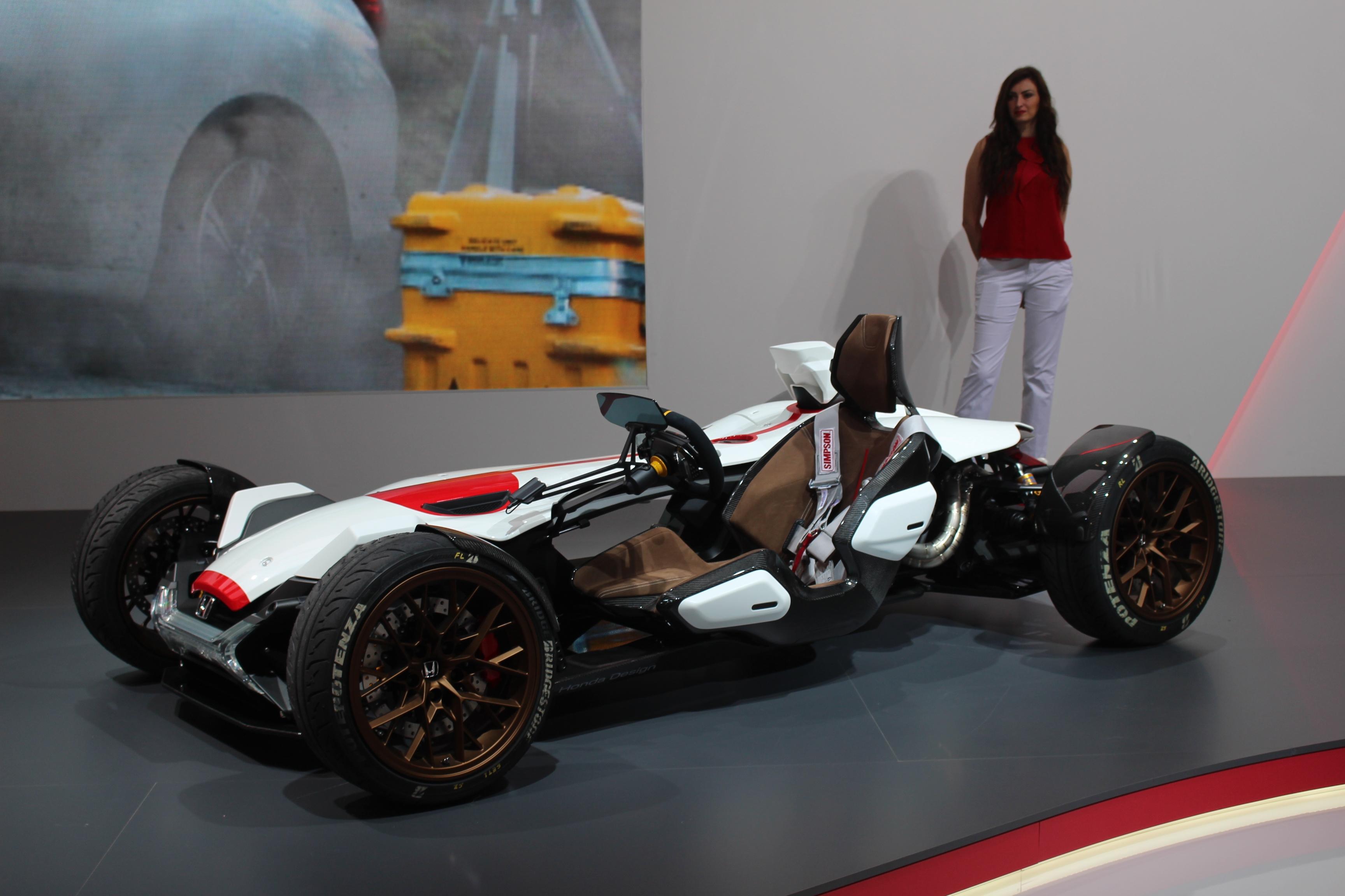 [Image: S0-Honda-2-4-concept-l-excitante-En-dire...362201.jpg]