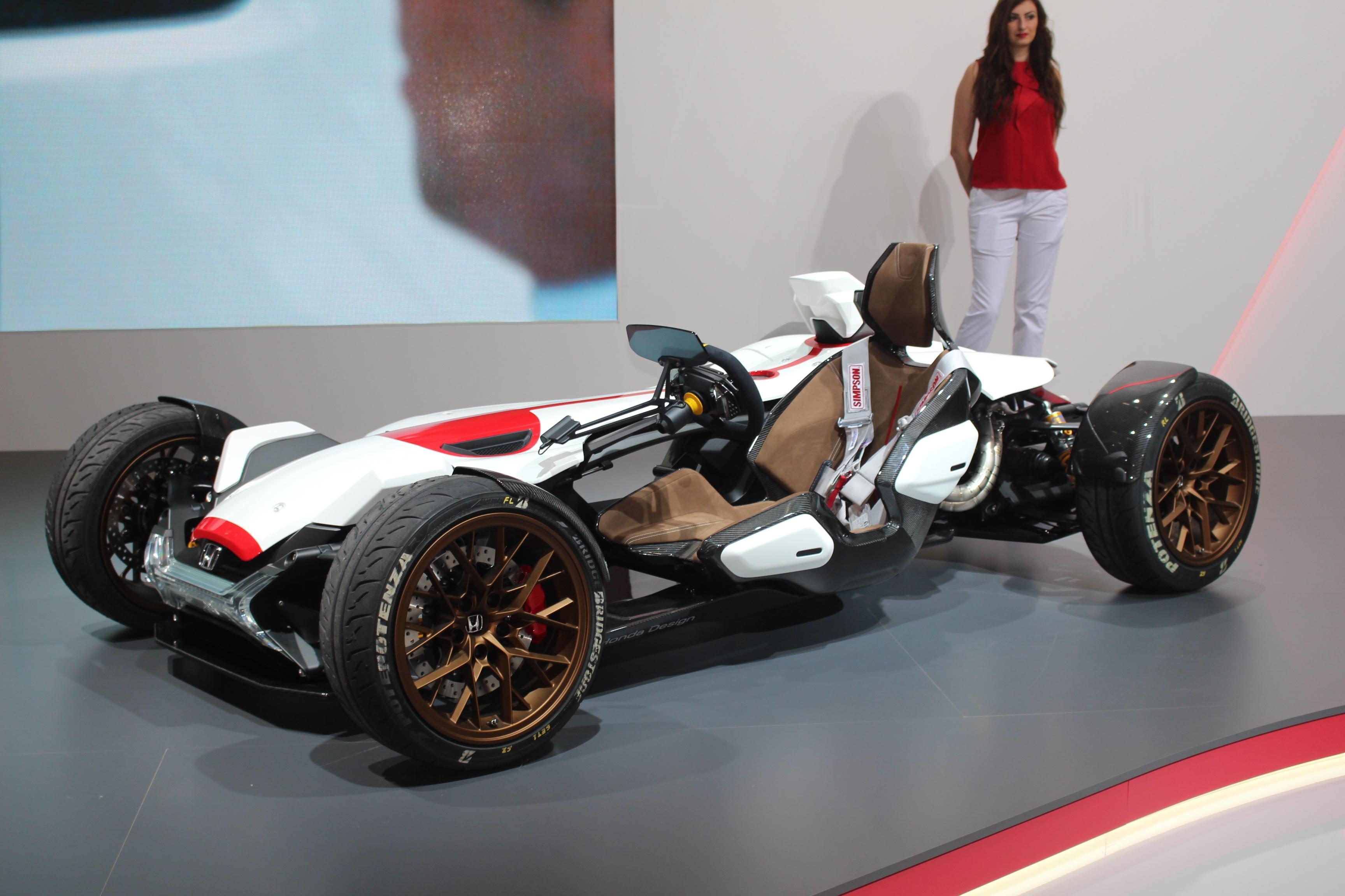 [Image: S0-Honda-2-4-concept-l-excitante-En-dire...362202.jpg]