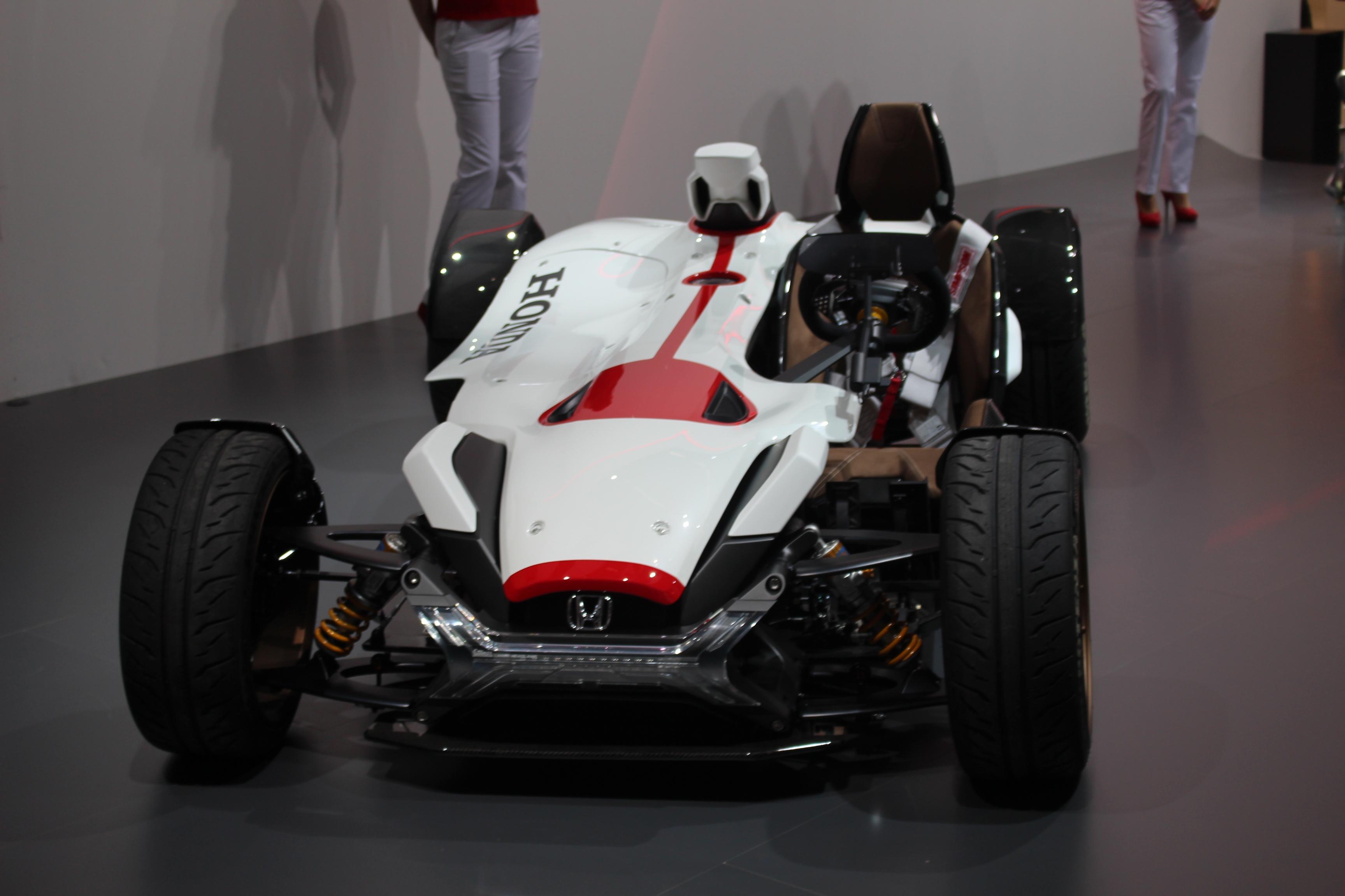 [Image: S0-Honda-2-4-concept-l-excitante-En-dire...362204.jpg]