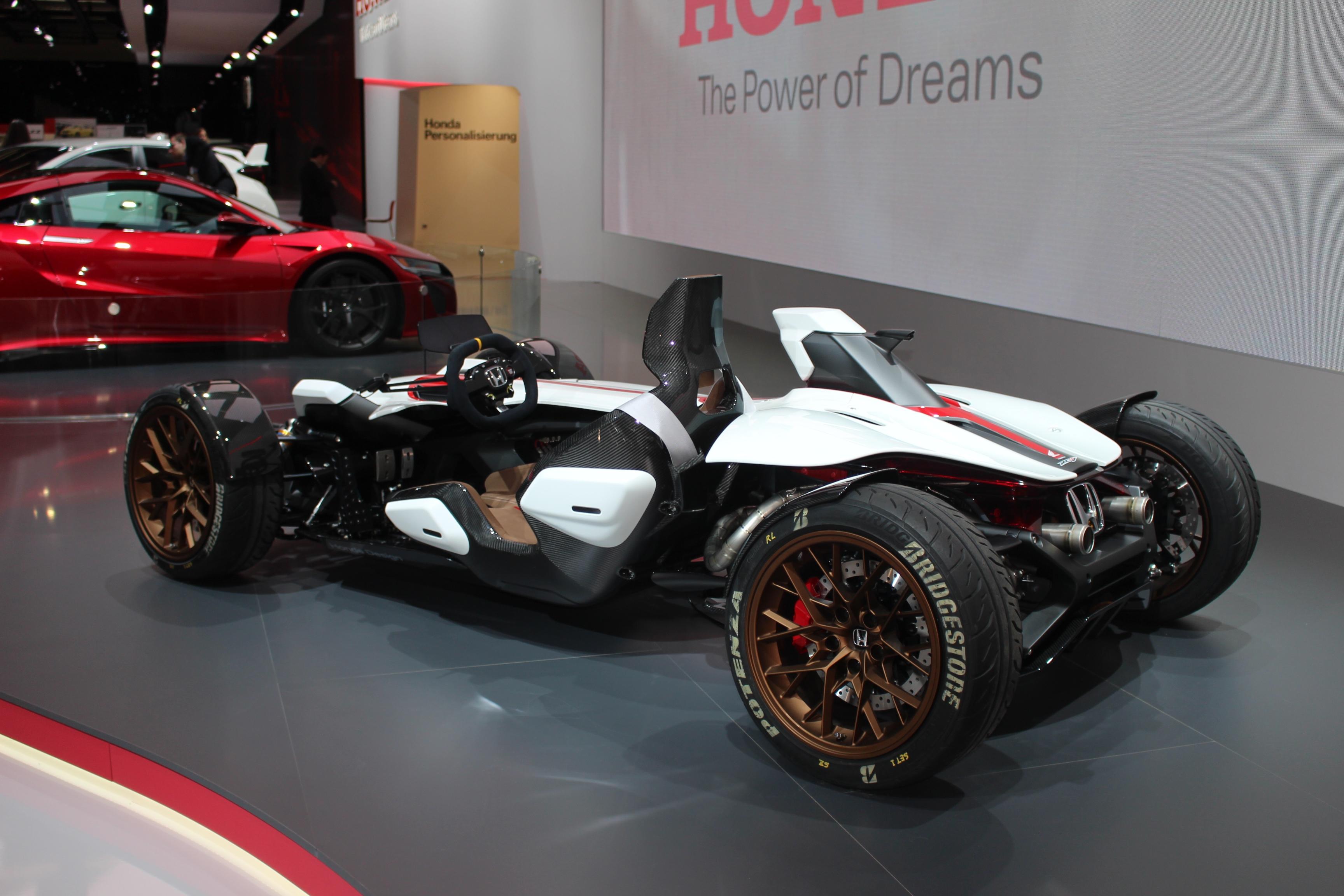 [Image: S0-Honda-2-4-concept-l-excitante-En-dire...362205.jpg]