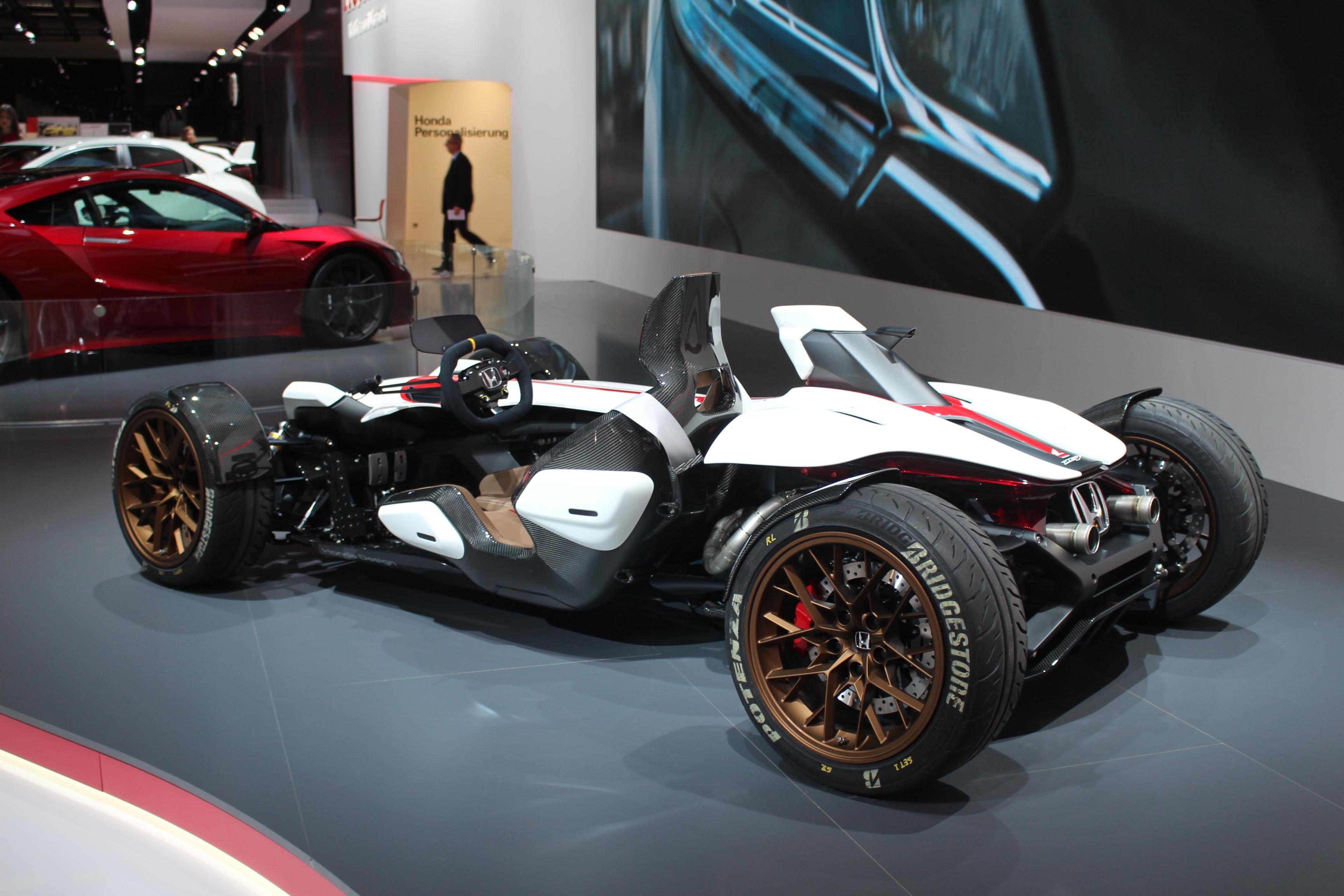 [Image: S0-Honda-2-4-concept-l-excitante-En-dire...362206.jpg]