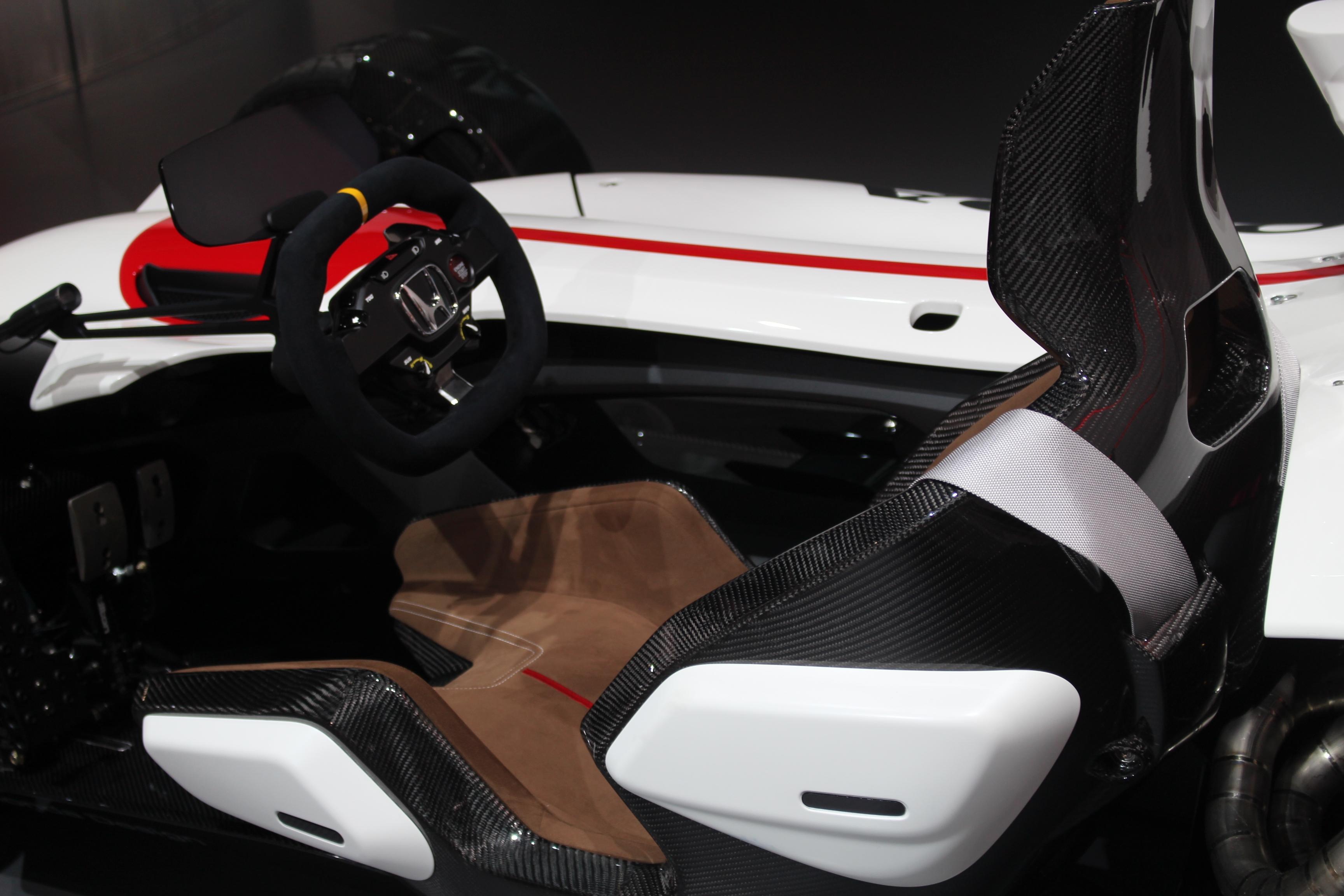 [Image: S0-Honda-2-4-concept-l-excitante-En-dire...362207.jpg]