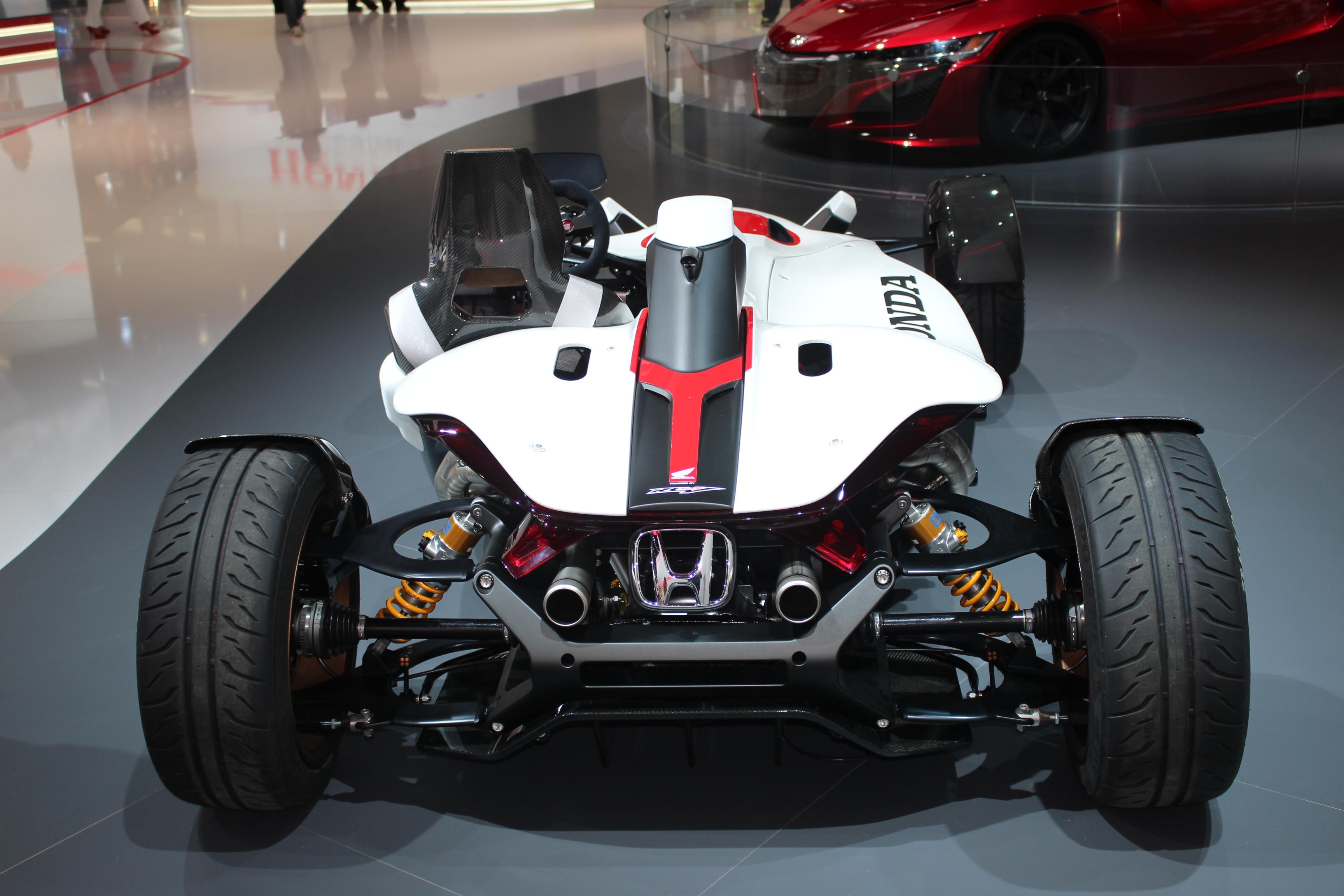 [Image: S0-Honda-2-4-concept-l-excitante-En-dire...362210.jpg]