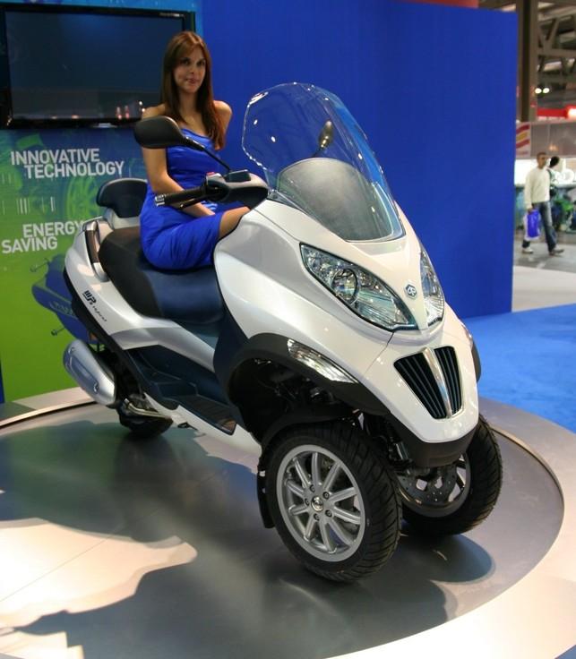 Salon de Milan 2008 : Piaggio Mp3 Hybrid et Malaguti HEM