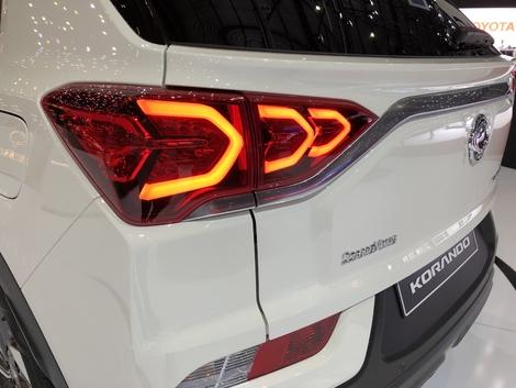 Les feux arrière sont à LED en 3D.