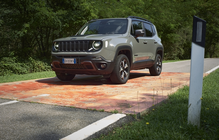 2014 - [Jeep] Renegade - Page 15 S1-essai-jeep-renegade-4xe-638755