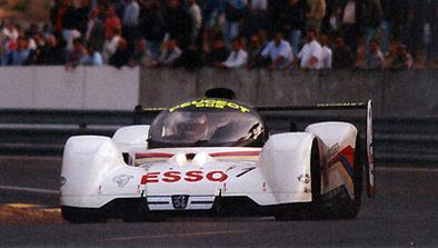 Offrez vous une autre Batmobile: la 905 Peugeot