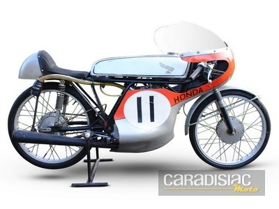 Vente aux enchères Bonhams à Stafford le 27 avril 2014: près de 200 motos.