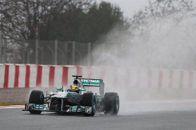 Essais F1 Barcelone : Hamilton danse sous la pluie