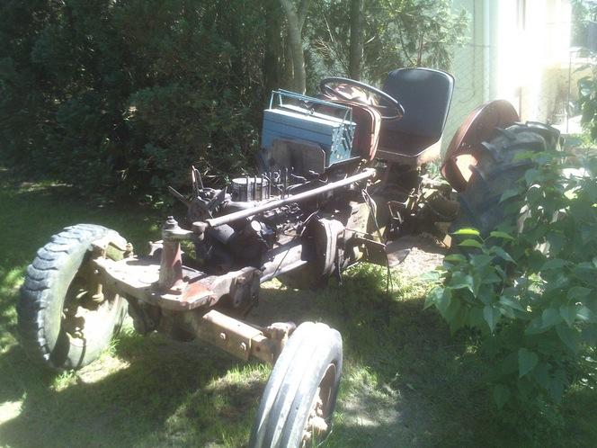 Entretien avec Geoffrey, qui restaure un tracteur Massey Ferguson