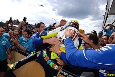 """Moto GP - Rossi: """"Le manufacturier unique serait mieux pour le spectacle"""""""