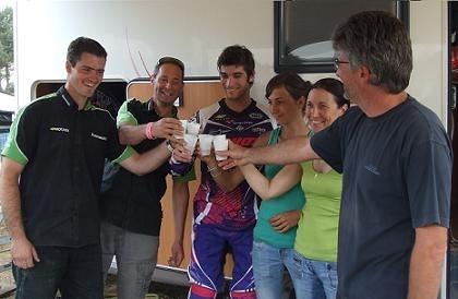 Motocross à Iffendic : Xavier Boog fête son titre en famille