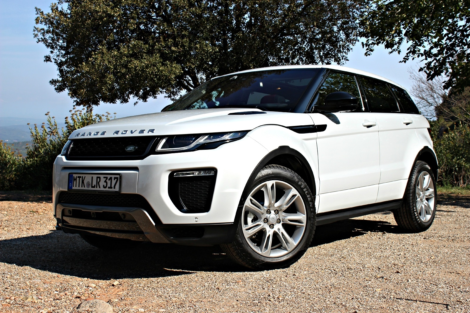 essai range rover evoque restyl e plus qu 39 un simple suv. Black Bedroom Furniture Sets. Home Design Ideas