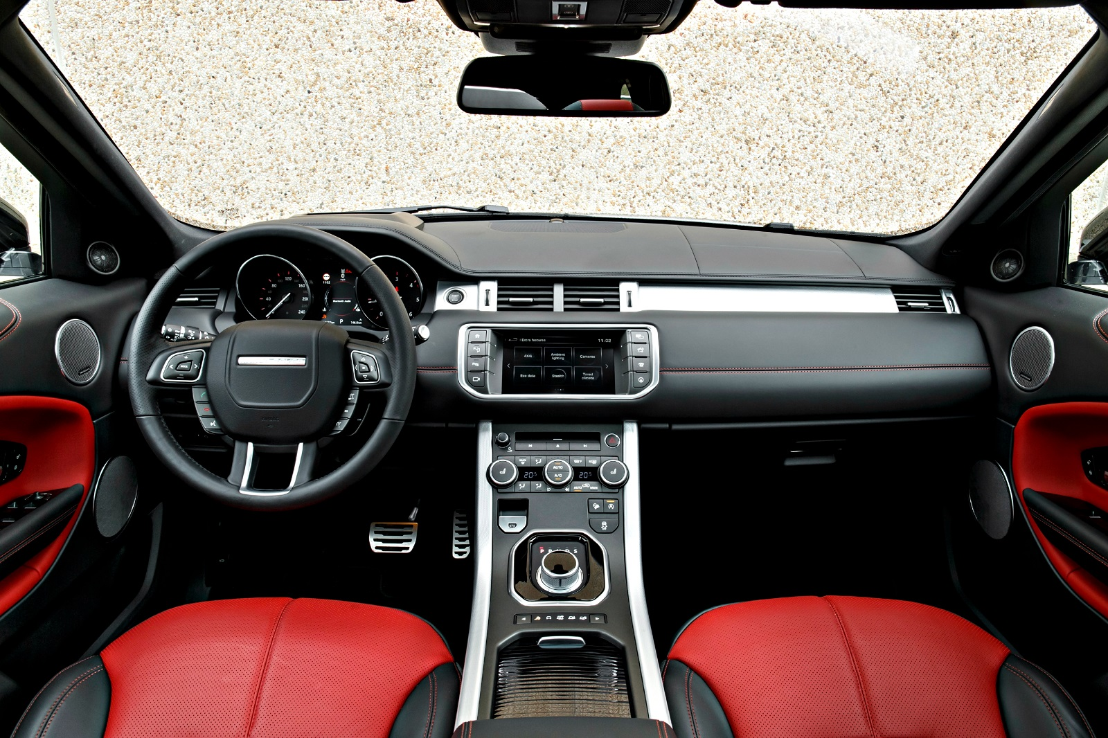 Essai range rover evoque restyl e plus qu 39 un simple suv for Interieur evoque