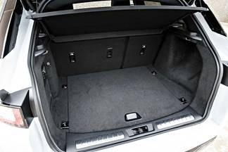 essai range rover evoque restyl e plus qu 39 un simple suv. Black Bedroom Furniture Sets. Home Design Ideas