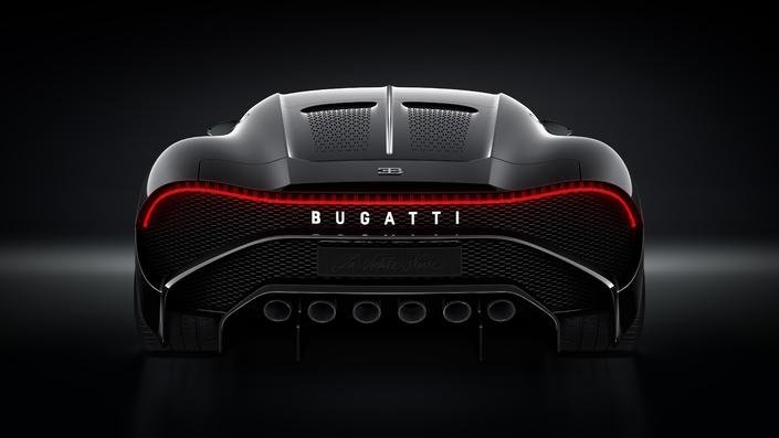 S1-bugatti-devoile-la-voiture-noire-583112