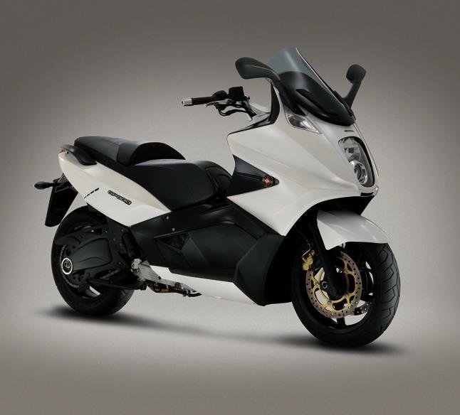 Nouveauté Scooter : Le Gilera GP 800 version 2010