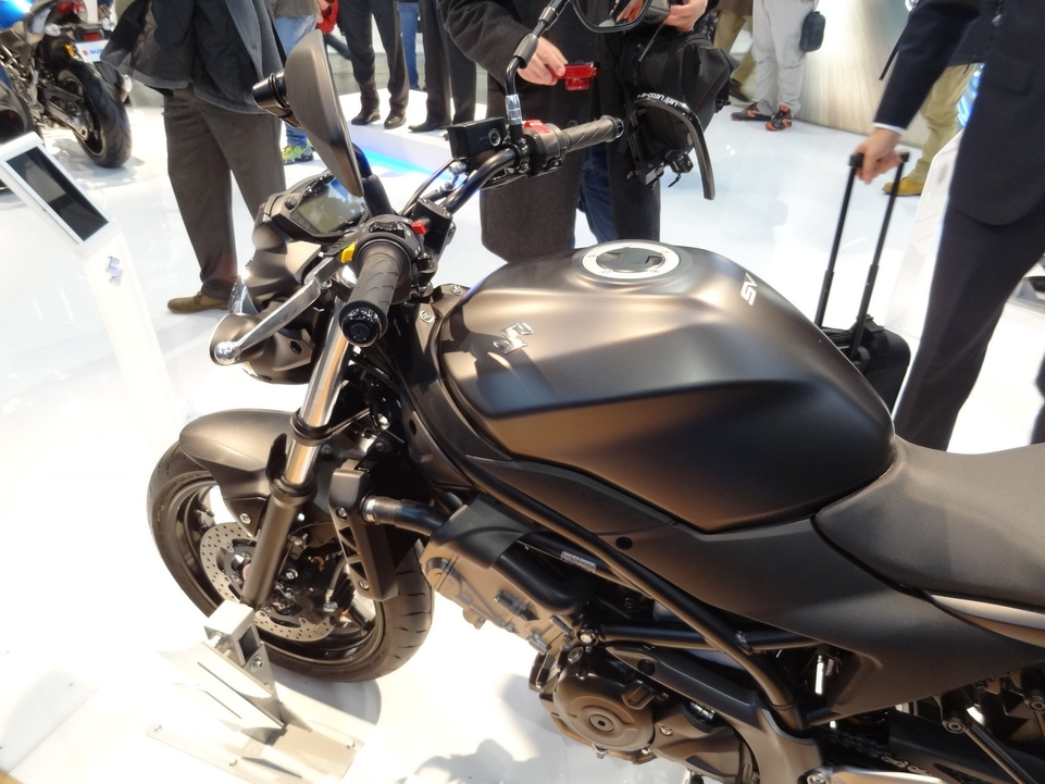 En direct du salon de Milan 2015 : Suzuki SV650A