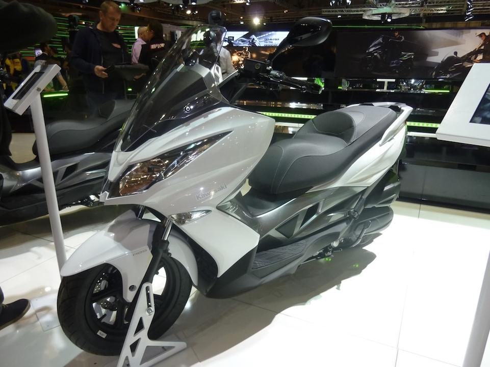 En direct du Salon de Milan 2015 : Kawasaki dévoile le J125
