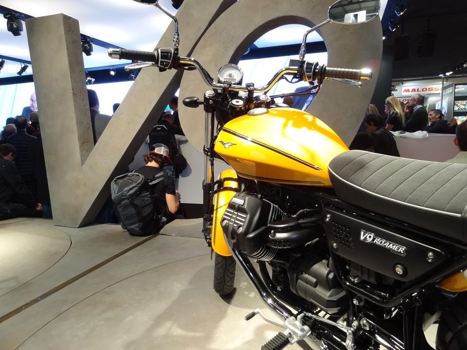 En direct du salon de Milan 2015 : Moto Guzzi Bobber et Roamer V9