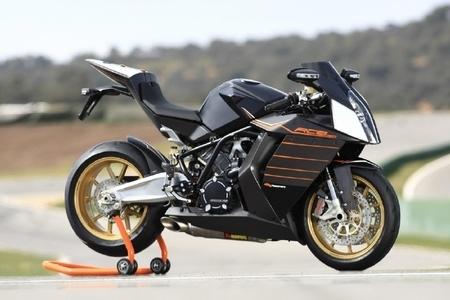 KTM RC8 R : Va y avoir du sport dans l' «R»